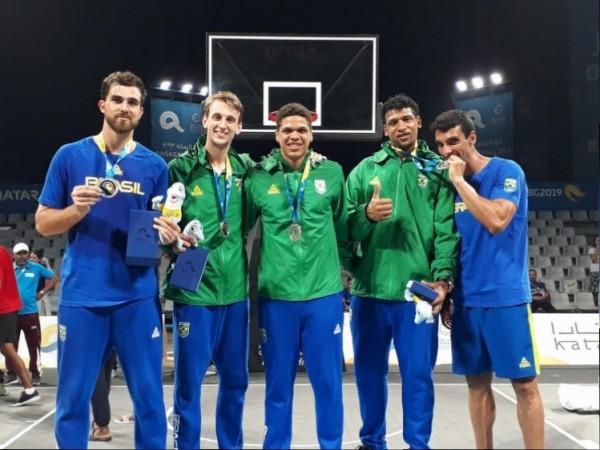 .:: basquete_3x3_brasil_faz_historia_com_podio_nos_jogos_mundiais_de_praia_40729_1_pt.jpg ::.