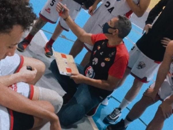 .:: basquete_tatui_derrota_conti_colaassis_basket_com_muita_emocao_na_estreia_do_paulista_da_1_divisao_49659_1_pt_114155.jpg ::.
