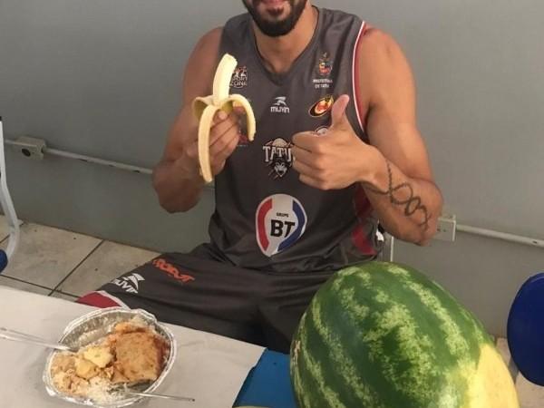 .:: centerfruta_hortifruti_colabora_com_a_alimentacao_saudavel_dos_atletas_do_basquete_tatui_49606_1_pt_074238.jpg ::.