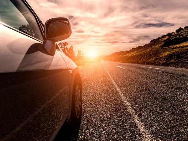 80% dos compradores de carro vão comprar mesclando online e offline, revela GfK