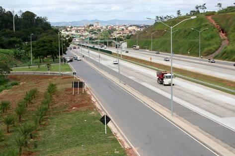 Manutenção (Conservação/Recuperação) de Vegetações de Faixas de Domínio de rodovias, linhas de transmissão de energia, adutoras, tubulações etc.
