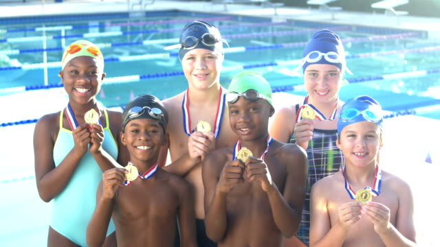 The 9 benefits of Joining a Swim Team for Children