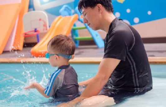 preparing child for swimming lessons