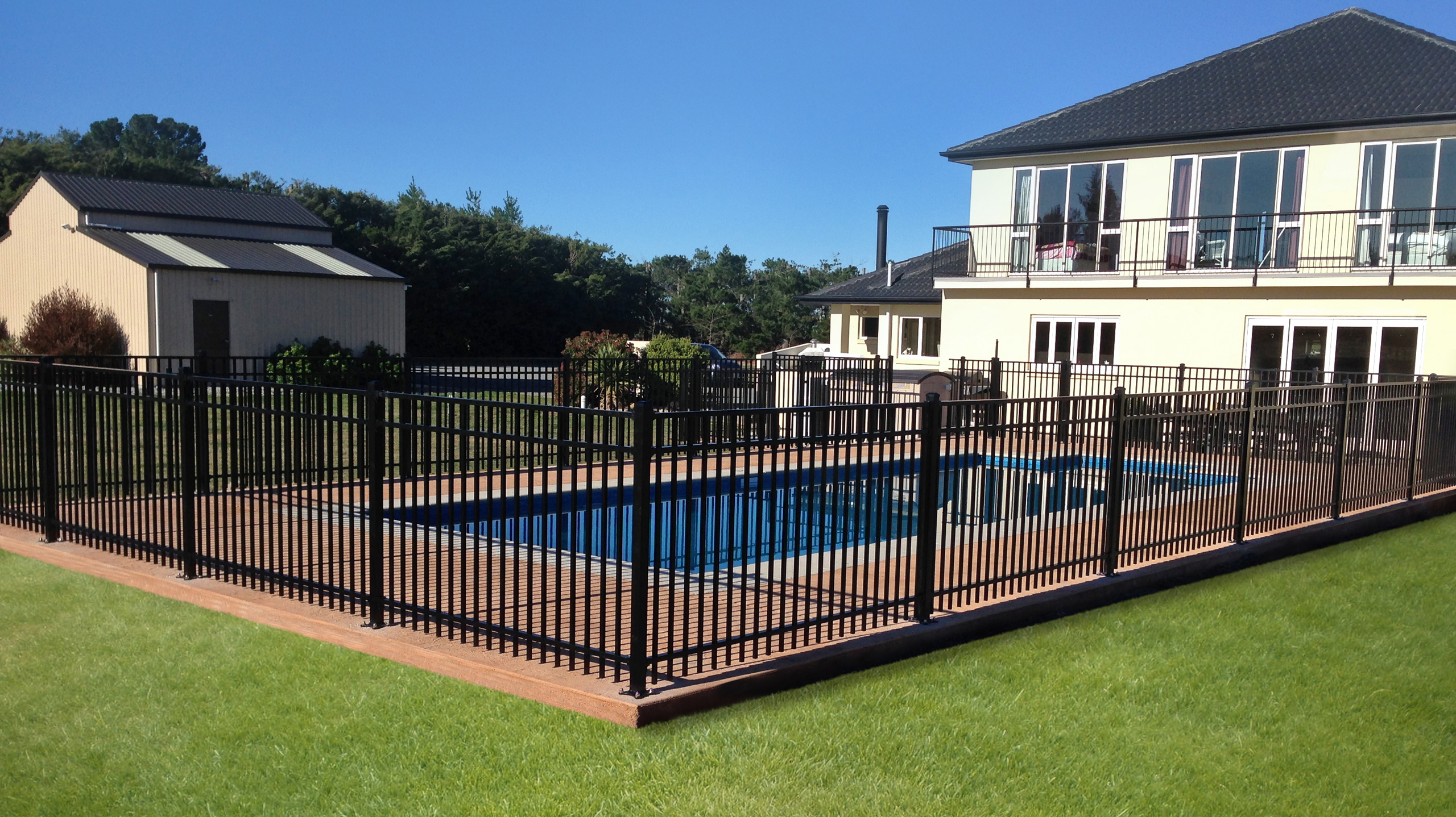 What are the Best Pool Safety Fences?