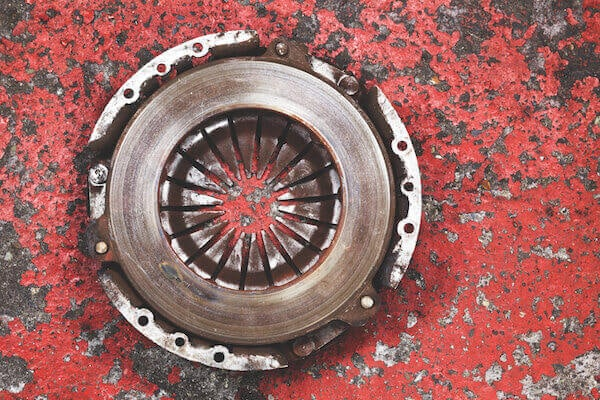 Clutch Failure: Common Causes and Replacement Advice | Know