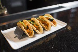 spicy-salmon-poke-tacos-late-night-kumi