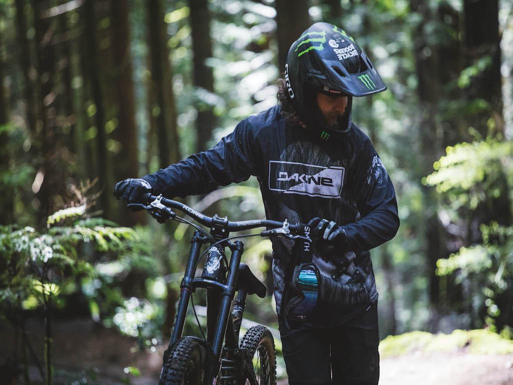 19s dakine bike ns 0290 erickson web