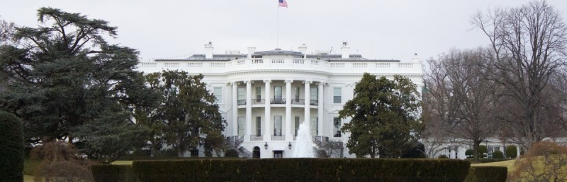 white_house_full_mast
