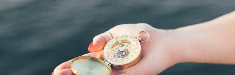 woman_with_compass