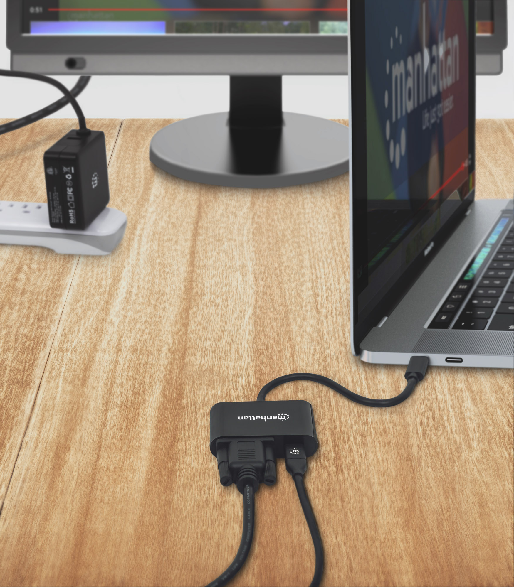 USB-C to VGA Converter with Power Delivery Port
