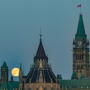 Full buck moon ottawa parliament july 2017 sean costello 9105 1440x960