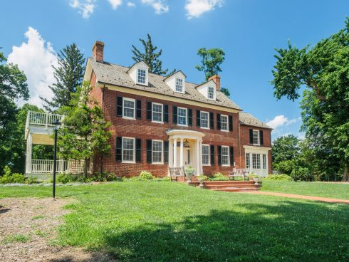 Front of Woodlawn Manor House