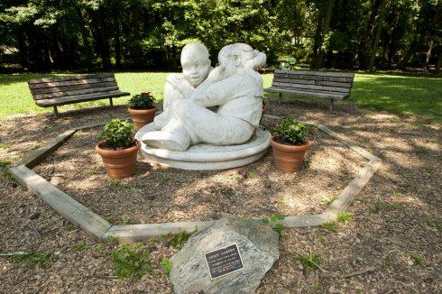 Memorial statue Sligo-Dennis Avenue Local Park