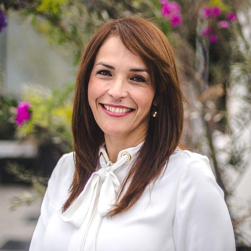 Elizabeth Flores