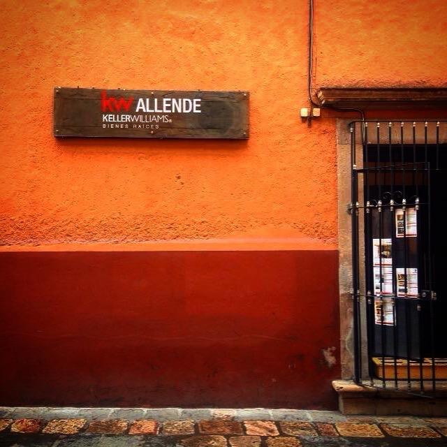 Letrero kw Allende