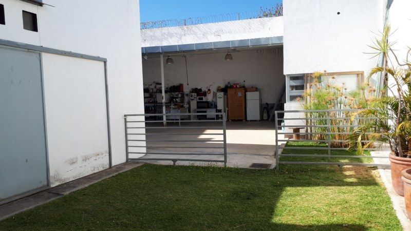 9 de 22: vista del jardin al área de terraza