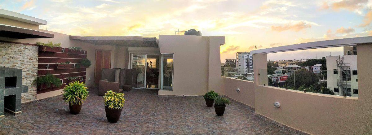 21 de 24: Otra vista de la terraza