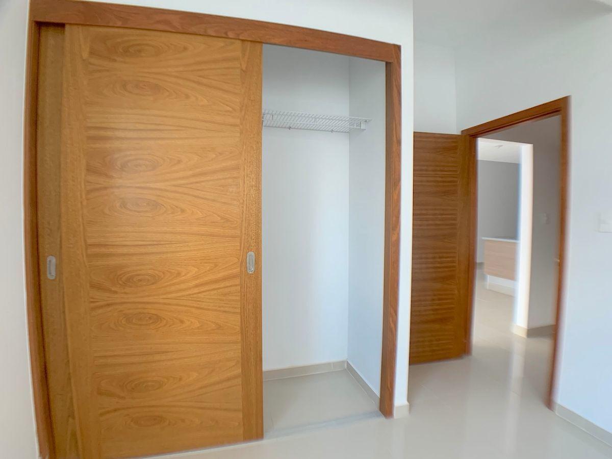 14 de 17: closet habitación secundaria