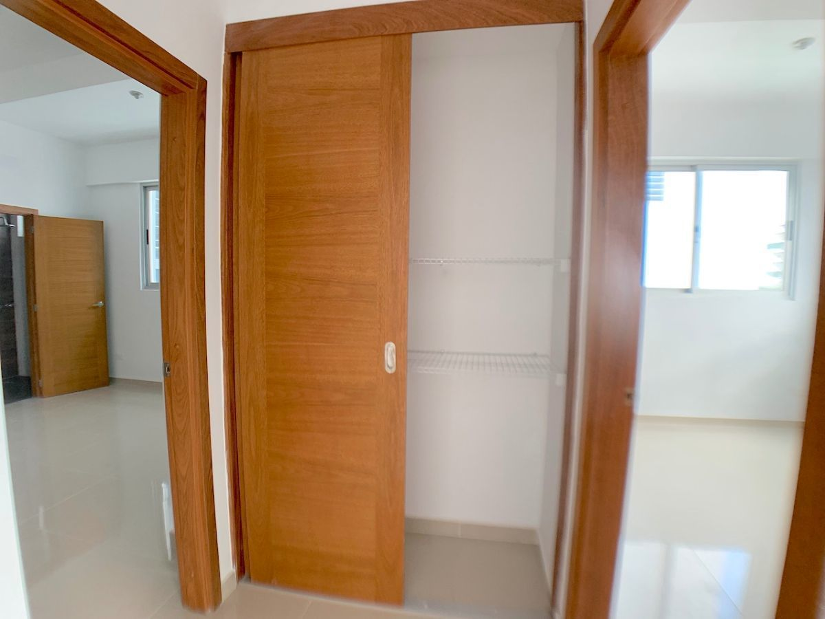 16 de 17: closet de ropa blanca y habitaciones