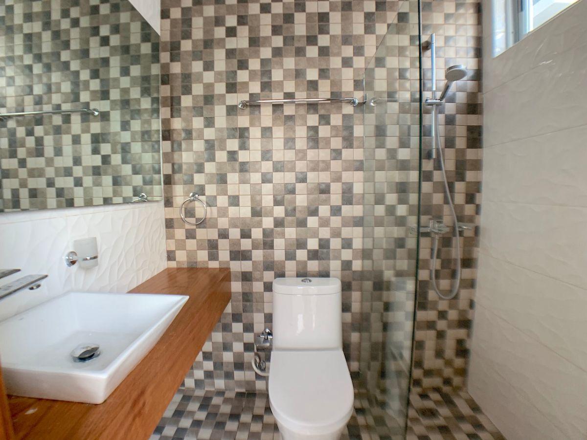 6 de 17: Baño habitación secundaria