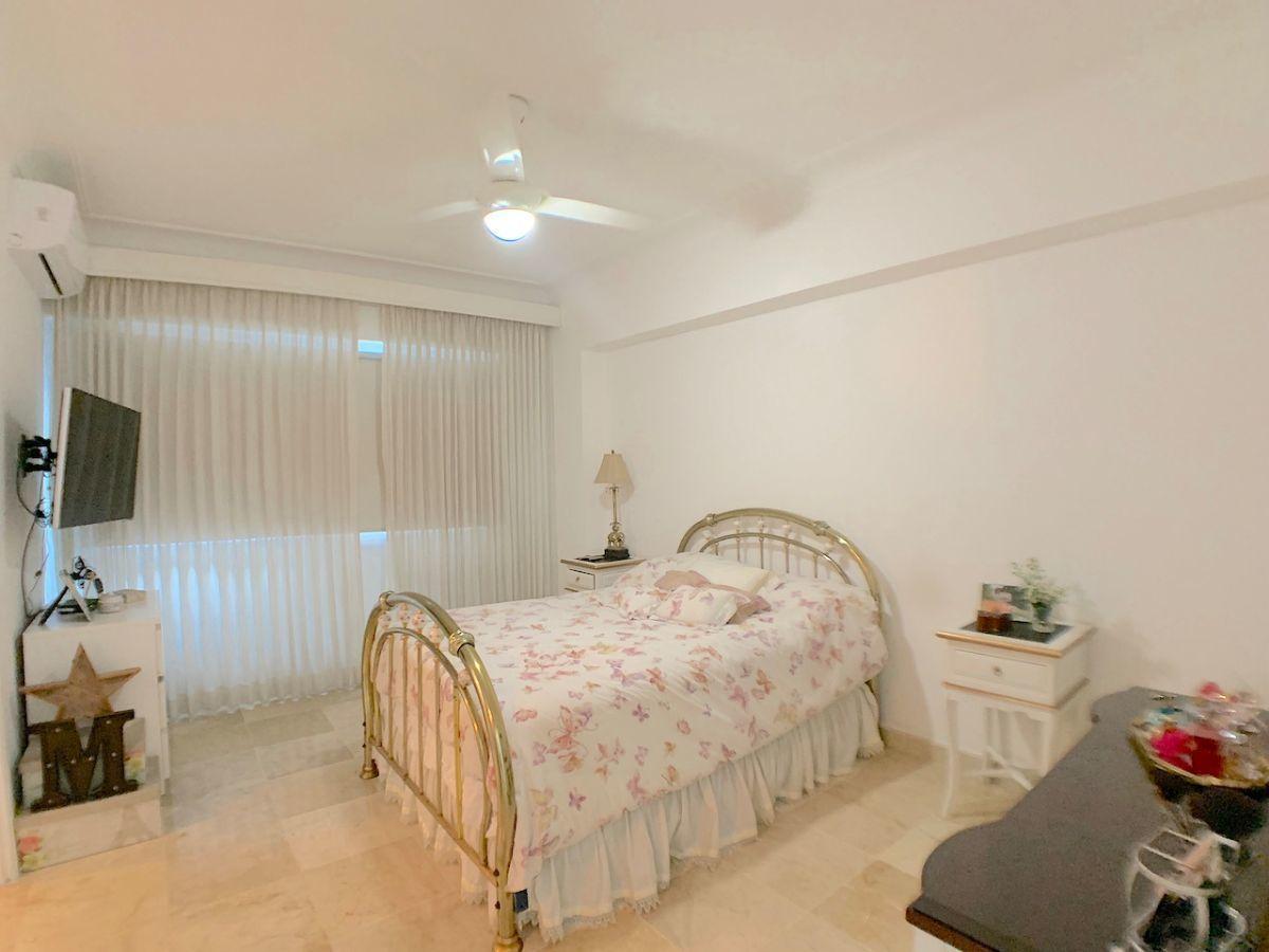 16 de 21: Habitación secundaria con ventilación y grande