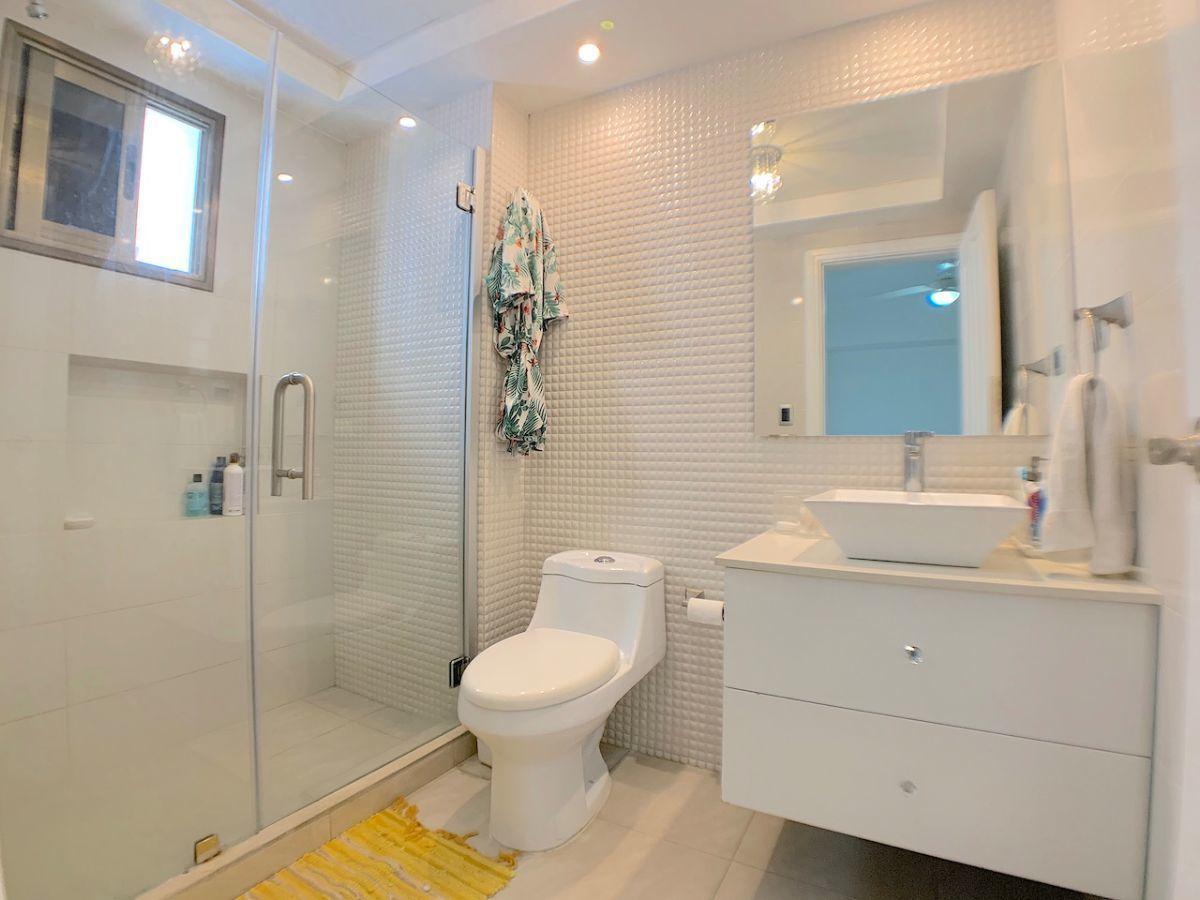 15 de 21: Baño habitación secundaria