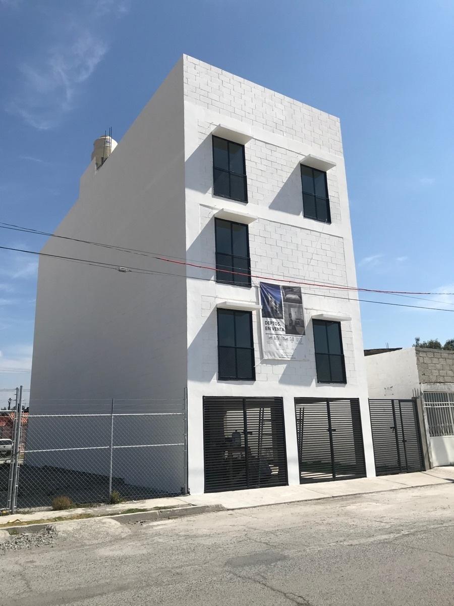 2 de 14: Edificio con 6 departamentos, 8 lugares de estacionamientos