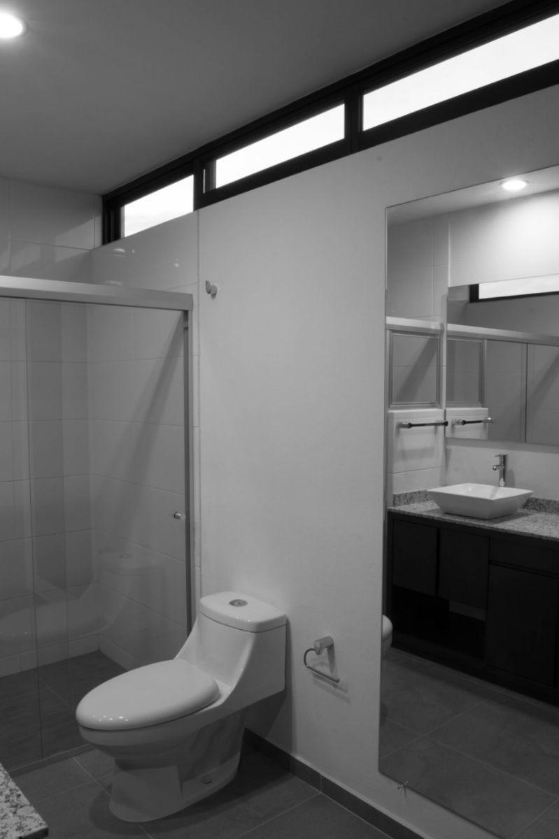 26 de 44: baños con ventilación natural