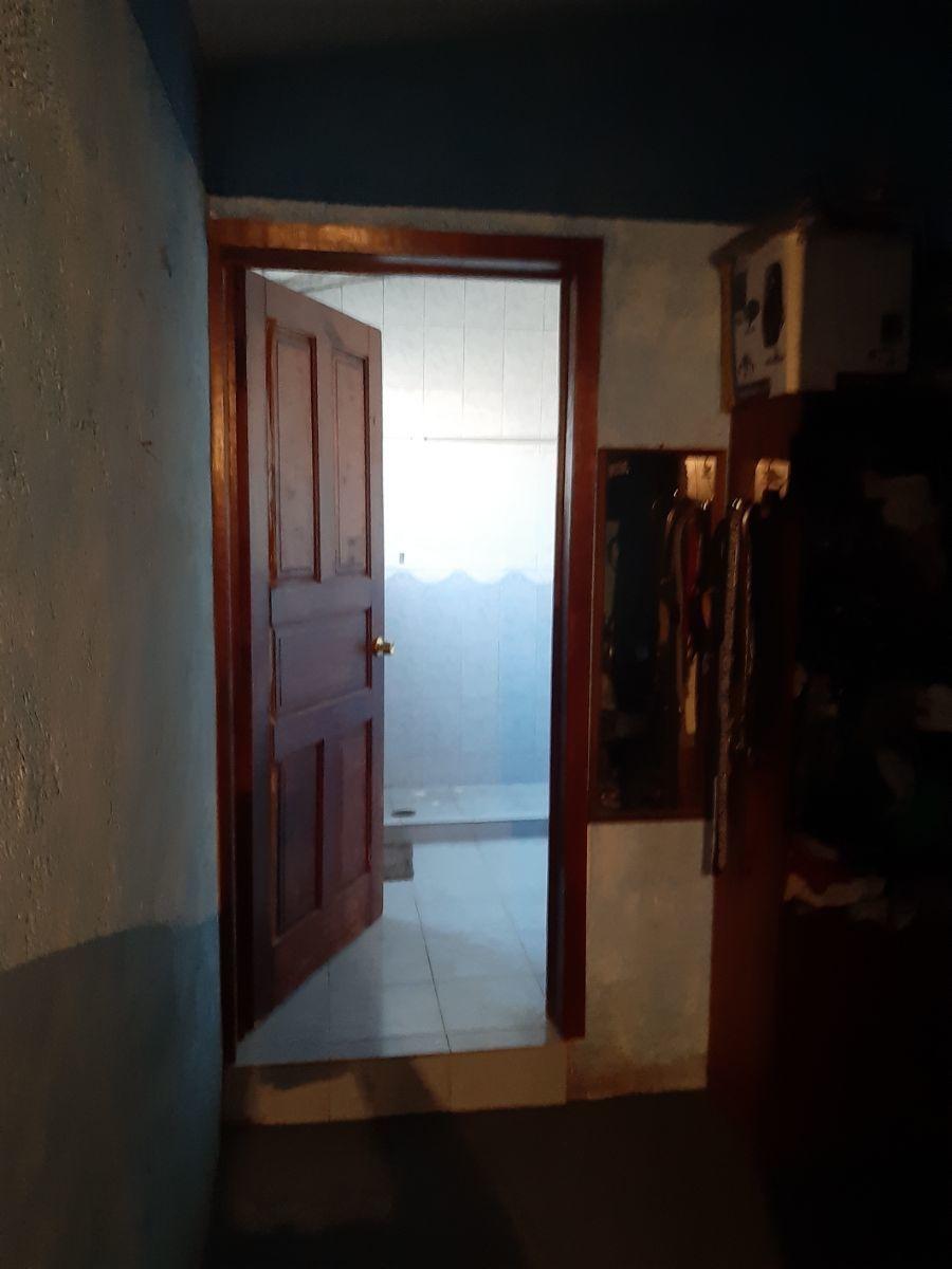19 de 31: BAÑO RECAMARA PRINCIPAL Y VESTIDOR