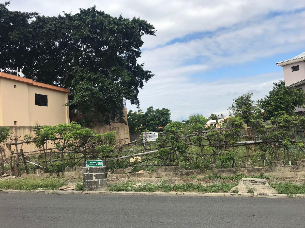 3 de 3: SOLAR EN LOS RIOS