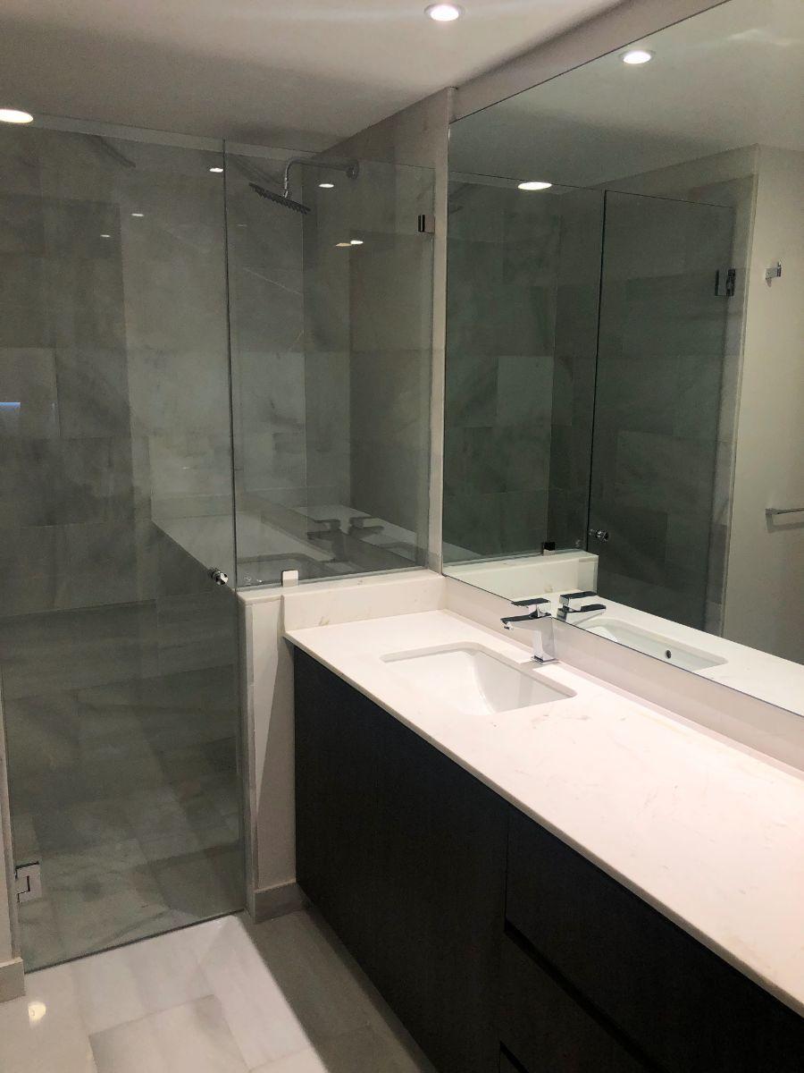 9 de 15: Baño Recámara Principal
