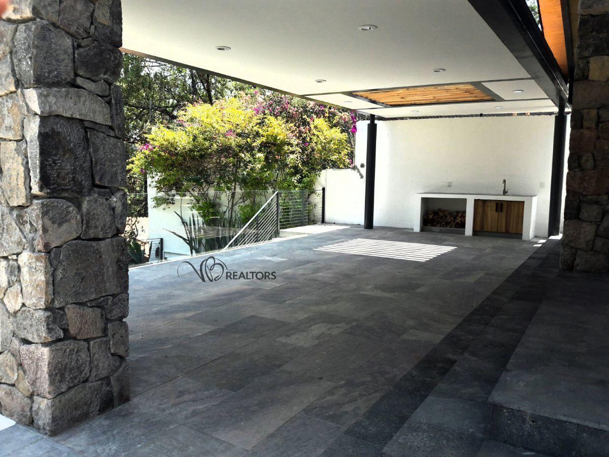 3 de 35: Terraza con tarja y espacio para asador
