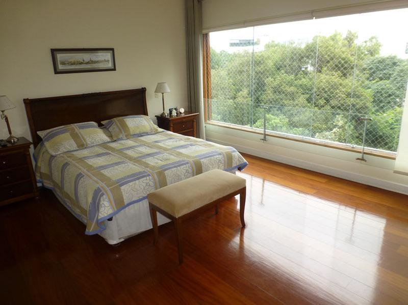 11 de 18: Dormitorio Principal amplio con espacio para escritorio