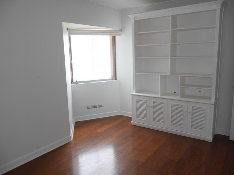 16 de 18: Dormitorio N°4 que fue concebido inicialmente como escritori