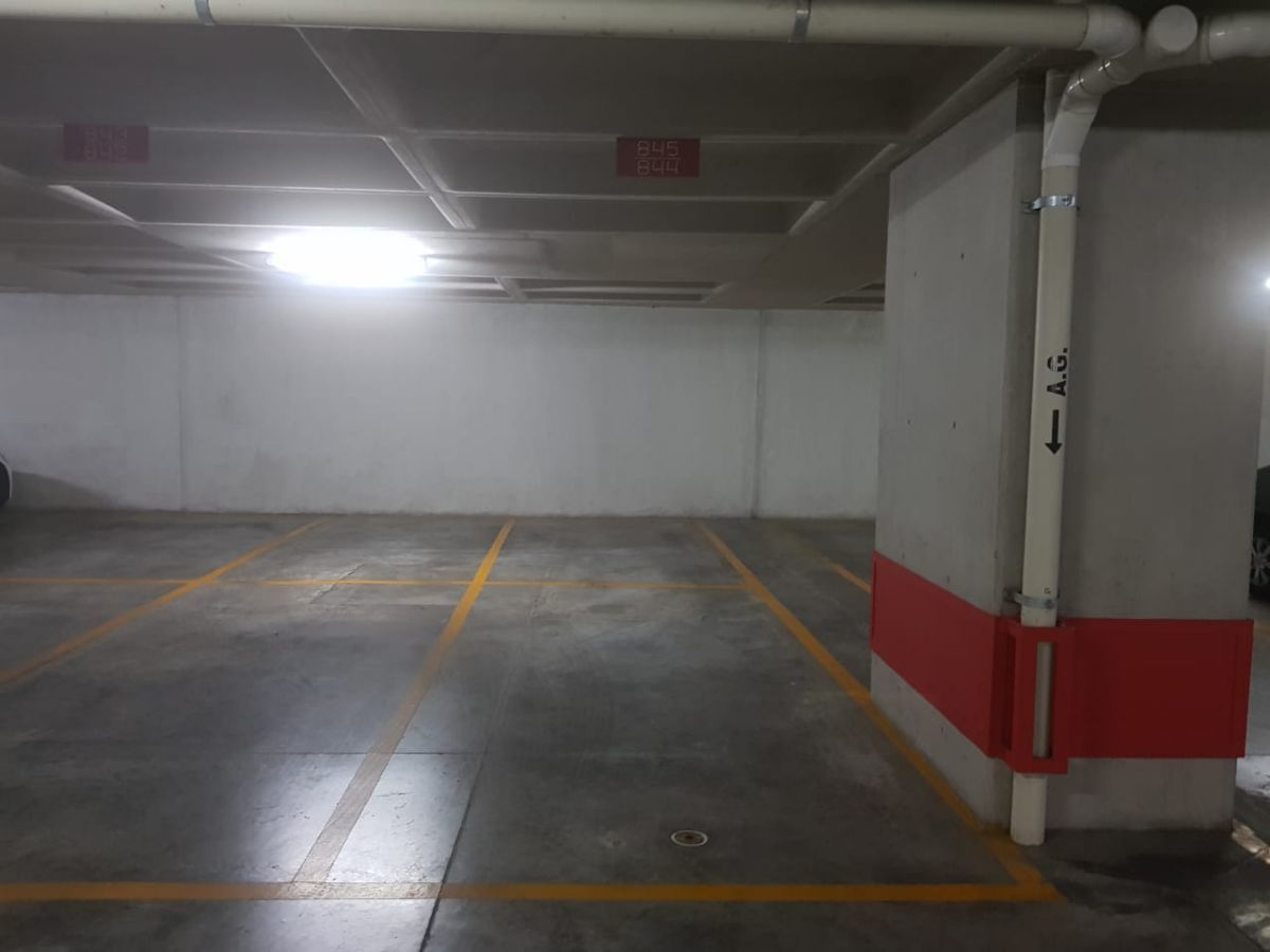 15 de 23: Estacionamiento