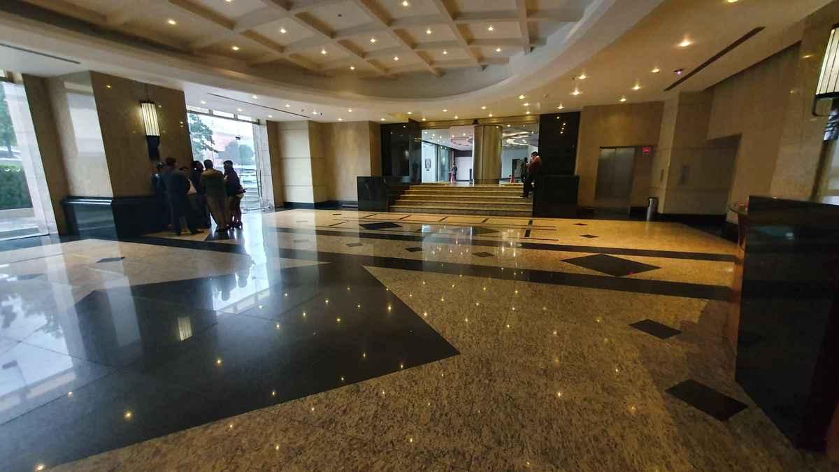 15 de 15: lobby