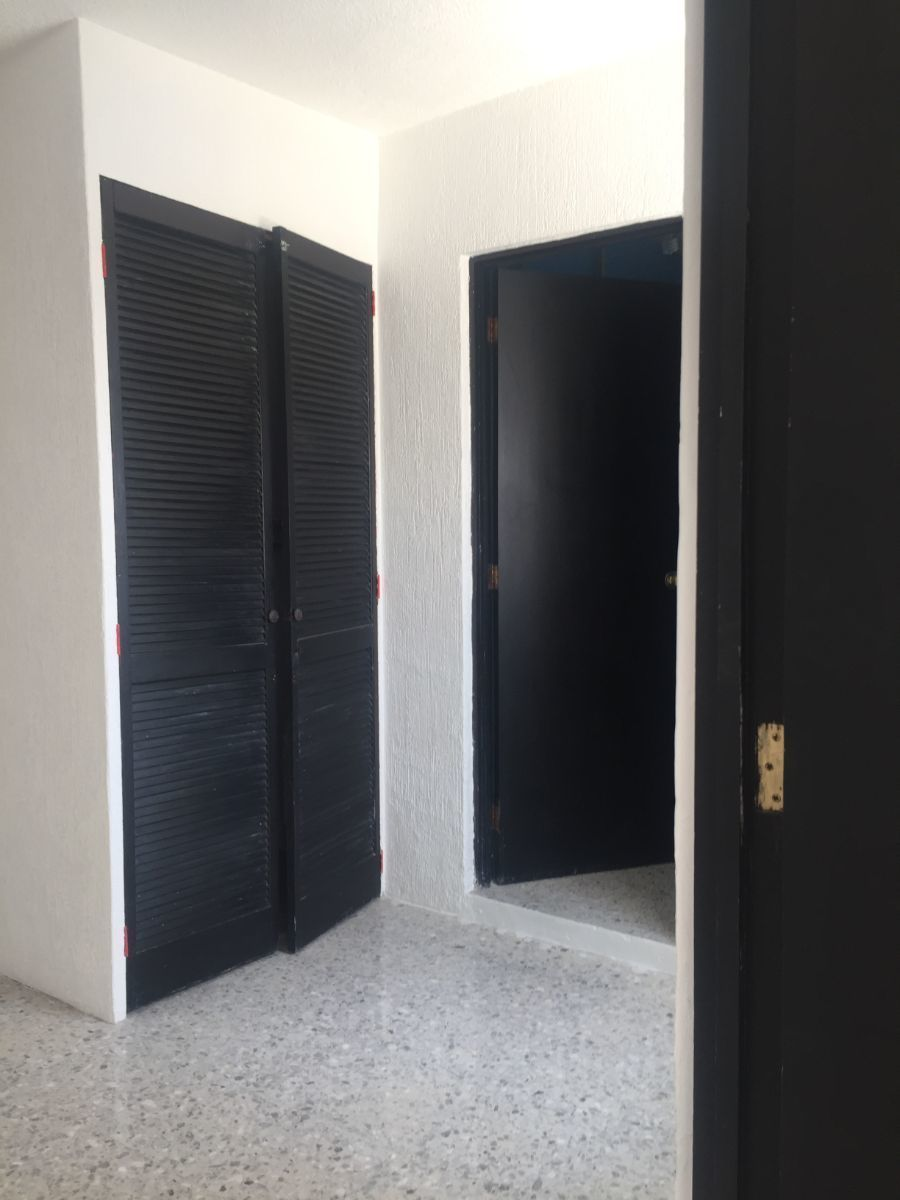 24 de 35: Closet