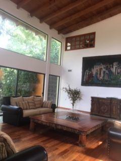 4 de 18: Sala con pisos de madera