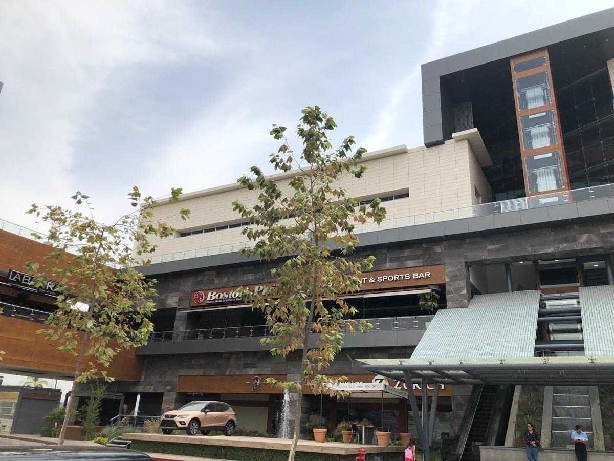 1 de 44: Parte de la fachada