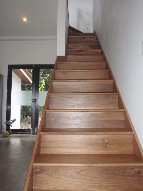 23 de 27: Stairs to loft