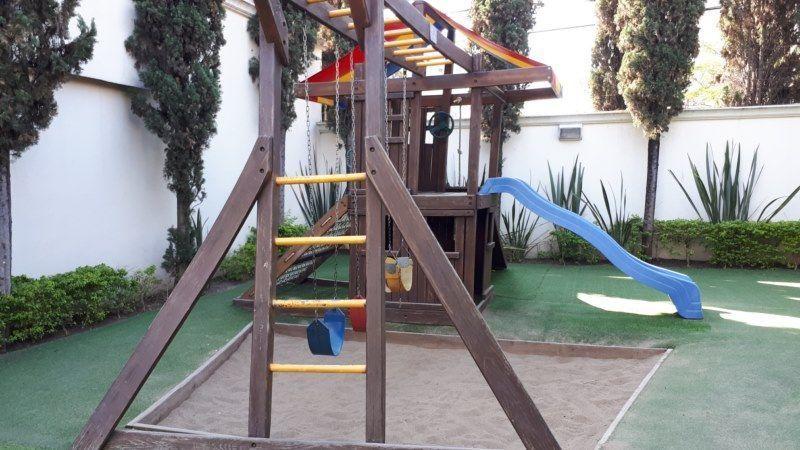 17 de 17: área de juegos infantiles común