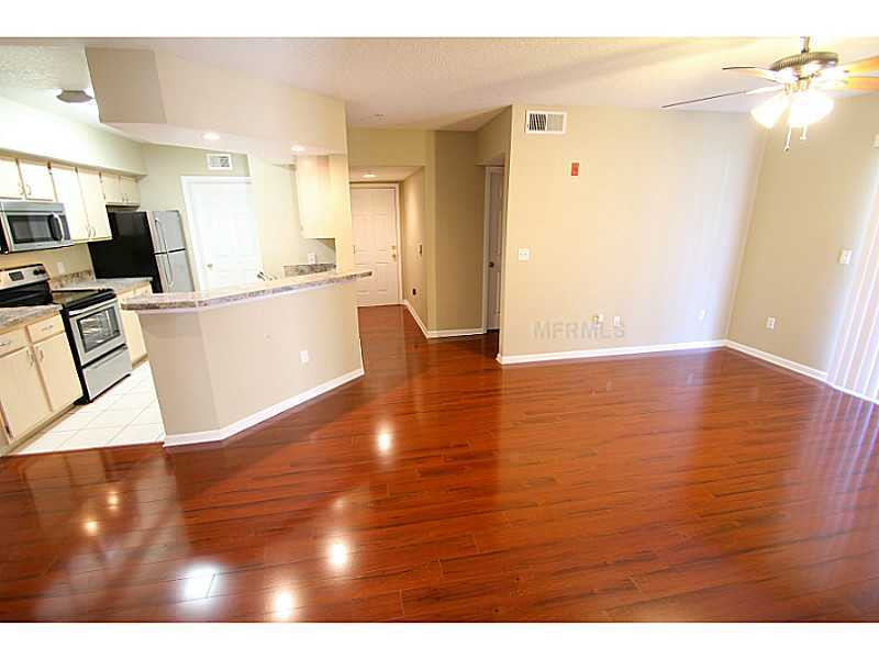 Gorgeous 2/2 condo for rent next to Waterford Lakes Town Center and UCF