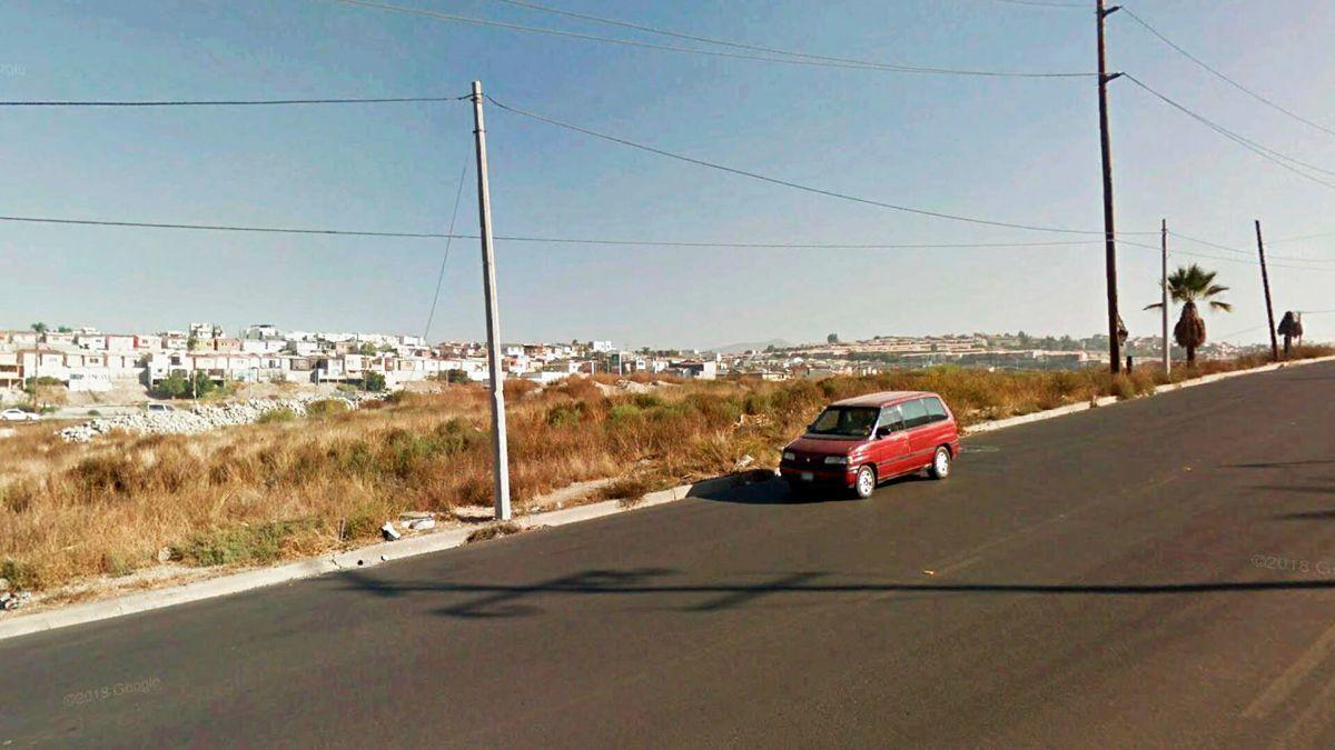 2 de 6: Terrenos en Venta en Baja Maq El Aguila PMR-469