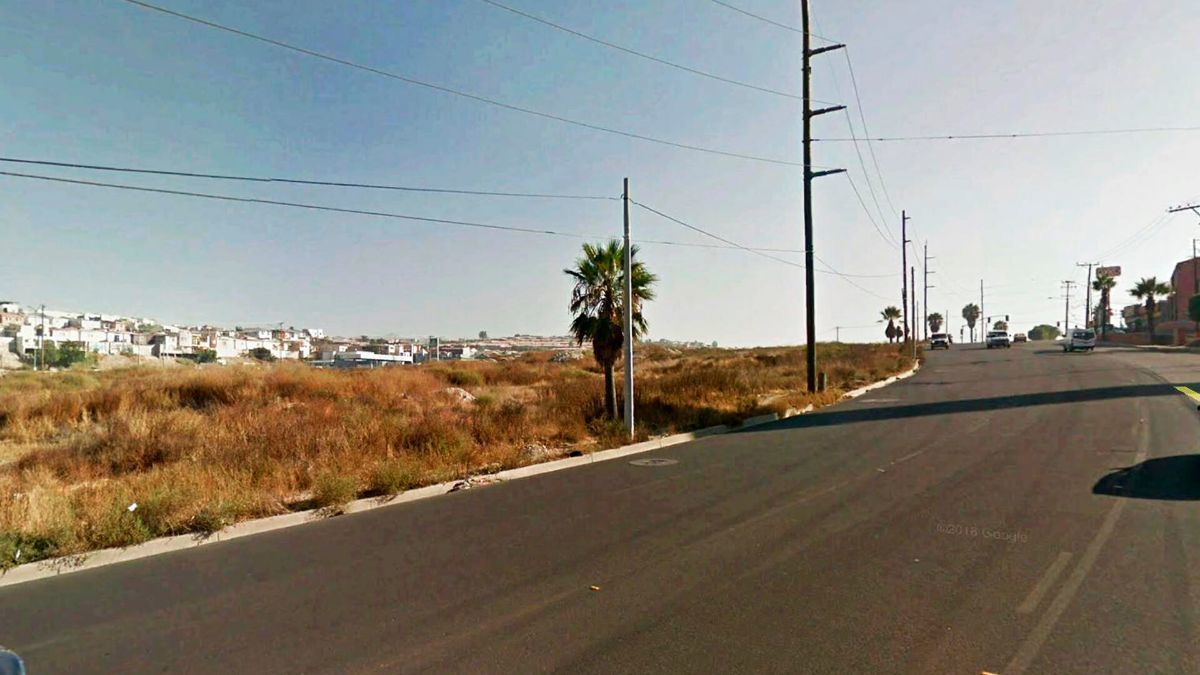 4 de 6: Terrenos en Venta en Baja Maq El Aguila PMR-470