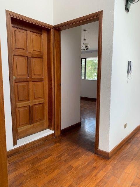 15 de 15: entrada a habitación