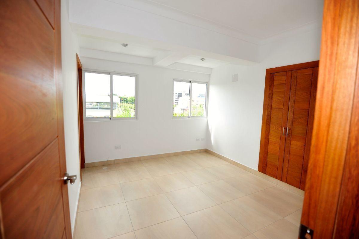 6 de 35: Habitación 1 en el primer piso