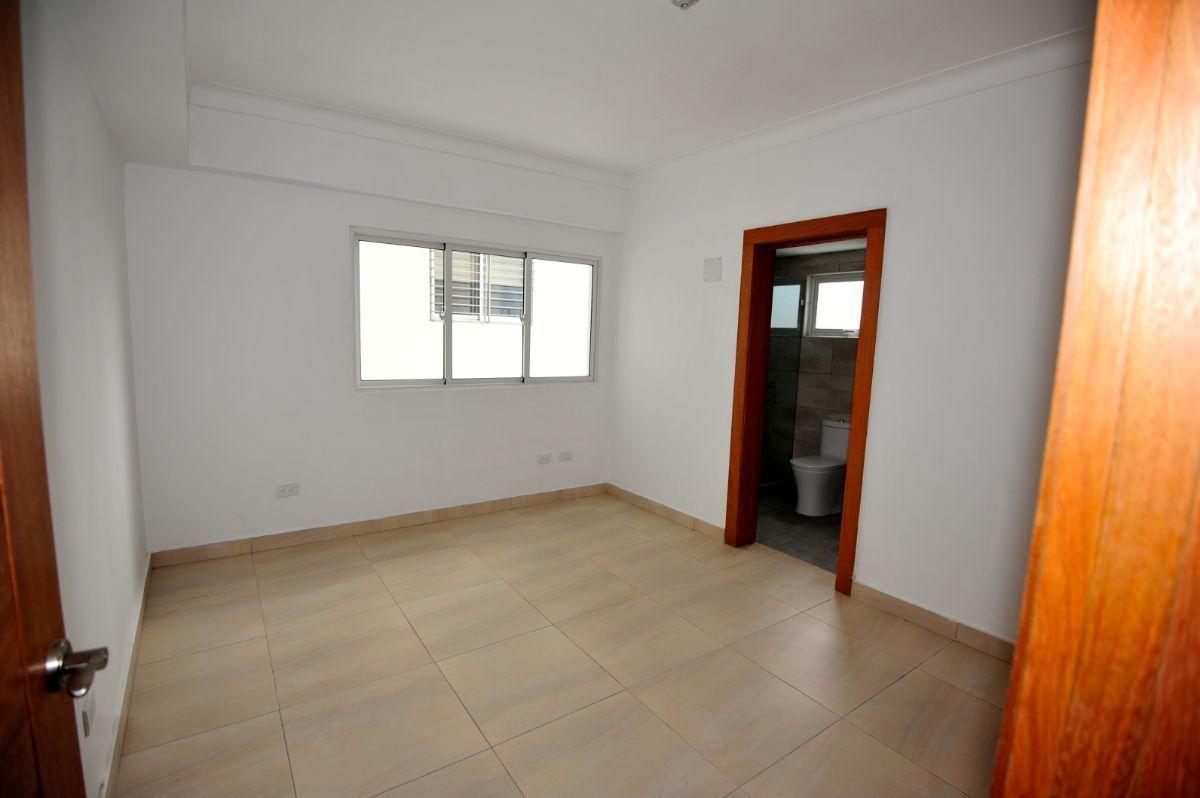 12 de 35: Habitación 2 en el primer piso
