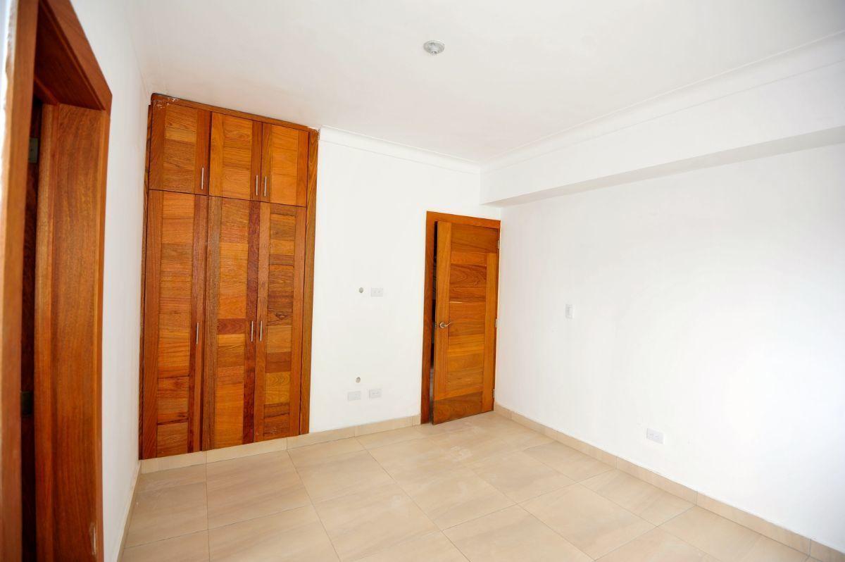 11 de 35: Habitación 2 en el primer piso