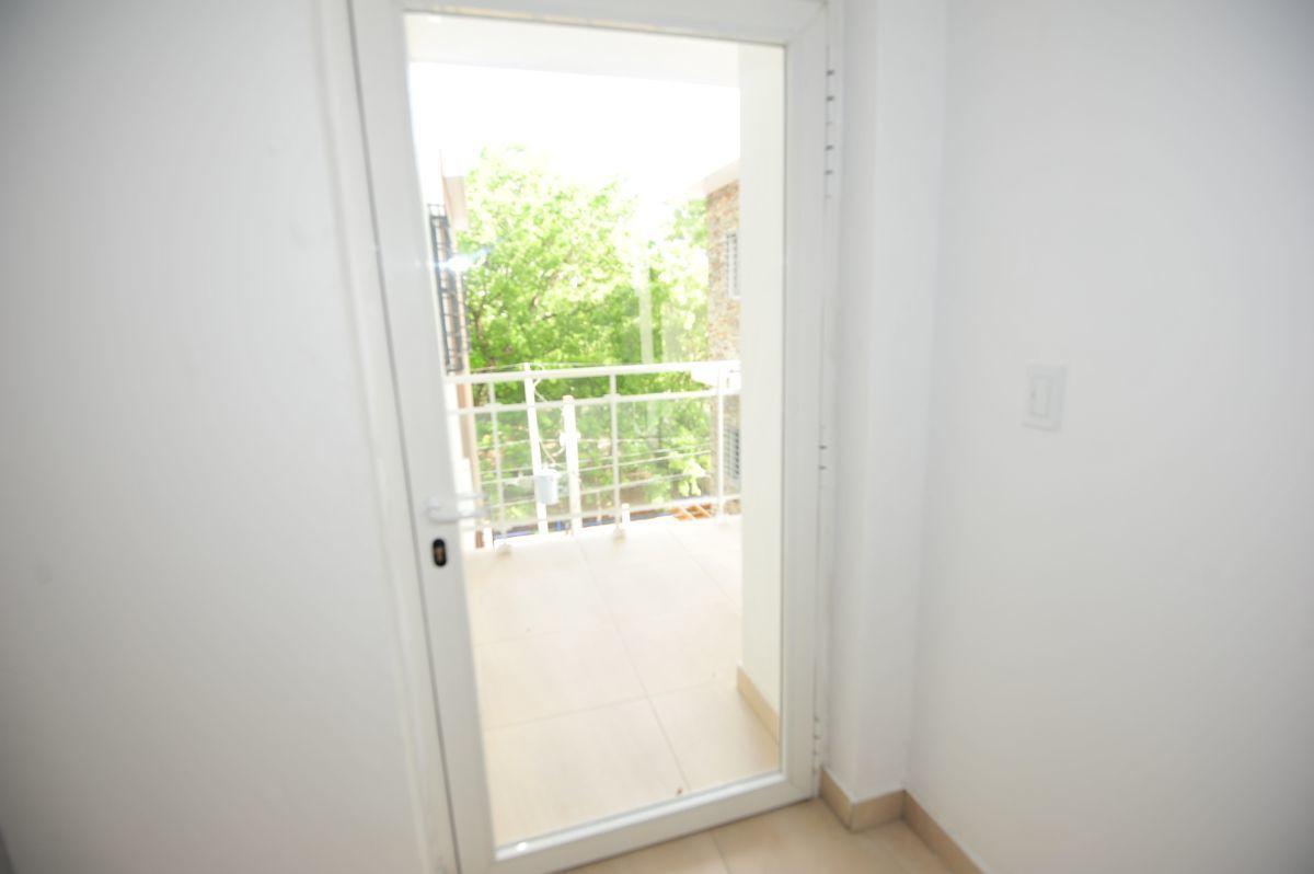 32 de 35: Balcón primer piso