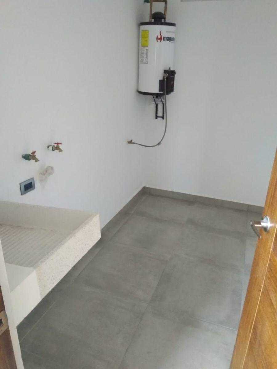 8 de 13: cuarto de lavado
